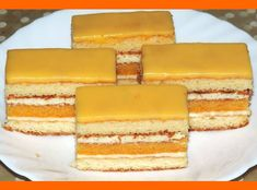 Sunquickové šťavnaté rezy - Sefkuchari.sk Slovak Recipes, Czech Recipes, Russian Recipes, Sweet Desserts, Sweet Recipes, Traditional Cakes, Cake Bars, Sweets Cake, Pastry Cake