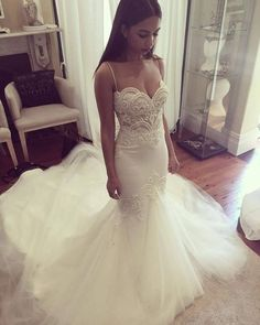 2017 New Spaghetti Straps Sweetheart Lace Peals Mermaid Wedding Dresses Long Train Bridal Gowns