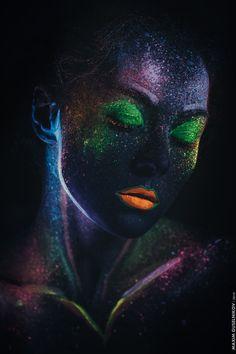 Constellation Of Beauty - Ультрафиолетовый макияж в исполнении визажиста Люци Кошкиной. Модель - Анастасия Надёжина.  UV-make-up by Lucy Koshkina Model - Anastasia Nadyozhina.