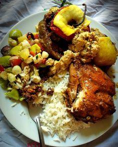 """15 Me gusta, 3 comentarios - Jessenia Pella (@jess.pella) en Instagram: """"#RocotoRelleno #Perú #PlatoCriollo #Arequipa  #gastronomía #SazónDeMiTíaYrma #food #lunch…"""""""