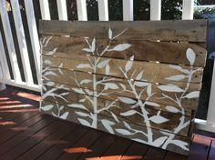 My Sweet Prints: DIY outdoor artwork. By Janette. Diy Wand, Outdoor Art, Outdoor Living, Outdoor Decor, Winter Art Projects, Home Projects, Diy Artwork, Garden Landscape Design, Garden Art
