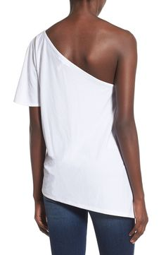 Free shipping and returns on Leith One Shoulder Tee at Nordstrom.com. Swap out your tried-and-true white tee with this free-flowing one-shoulder top styled with a fluttery asymmetrical hem.