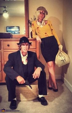 Hallowen Costume Couples Bonnie and Clyde Couple Halloween Costume Idea Disney Halloween, Original Halloween Costumes, Halloween Vintage, Cute Couple Halloween Costumes, Hallowen Costume, Halloween Costume Contest, Creative Halloween Costumes, Halloween Cosplay, Halloween Outfits