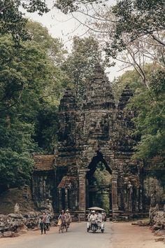Voyage Laos, Vietnam Voyage, Phnom Penh, History Of Buddhism, Angkor Temple, Cambodia Travel, Photo Location, Land Scape, 5 Years