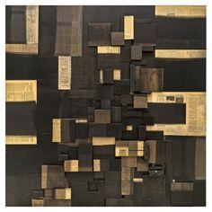 """FAUSTINO AIZKORBE """"IMPRONTA""""  Relieve impronta realizado con madera y papel de periódico. Fdo. Aizkorbe. Año 2004. Medidas: 150 x 150x 12 cm."""