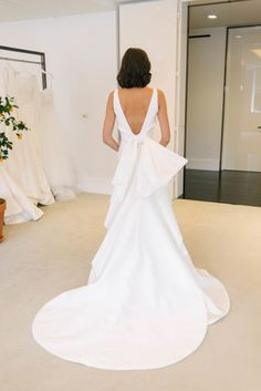 bridal shops Were so excited to share our April Bridal Market visit to Carolina Herreras designer showroom! Carolinas gowns are the embodiment of classic elegance with dramatic details, s White Bridal Dresses, Little White Dresses, Bridal Gowns, Wedding Gowns, Carolina Herrera Bridal, Ball Skirt, A Line Gown, Plus Size Wedding, Designer Wedding Dresses