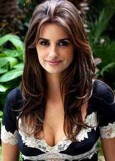 Penelope cruz, one of the most beautiful and successful actress in the hollywood film industry. Beautiful Celebrities, Beautiful Actresses, Gorgeous Women, Beautiful People, Gorgeous Hair, Salma Hayek, Penelope Cruze, Mannequins, Hollywood Actresses