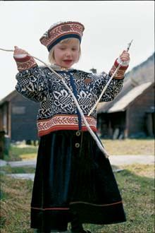 . How To Start Knitting, How To Purl Knit, Knitting For Kids, Baby Knitting, Folk Costume, Costumes, Bless The Child, Fair Isle Knitting, Nordic Style