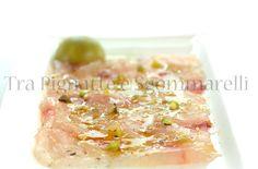 Carpaccio di marmora con pistacchi, liquerizia e fiocchi di sale, accompagnato da sorbetto di basilico | Tra pignatte e sgommarelli