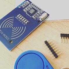Encore du matériel pour tester un. Peu plus les possibilités des #GPIO du #raspberrypi  prochainement un article complet sur le blog ! #pi #pi3 #rpi #arduino #maker #test #rfid