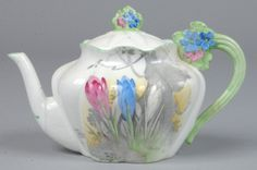 152: Shelley China Crocus pattern Small Teapot with Lid : Lot 152