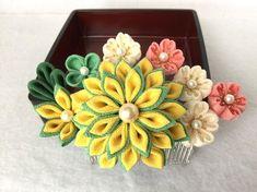 つまみ細工髪飾り コーム簪~桜と菊の共演 若竹色