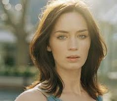 """Emily Blunt """"I have sly eyes. When I was in school they always said, 'Emily can never be elected Head Girl because you never know what she's thinking. Beautiful Celebrities, Beautiful Actresses, Gorgeous Women, Most Beautiful, Gorgeous Lady, Emily Blunt, Blunt Hair, Young Actresses, Hollywood"""