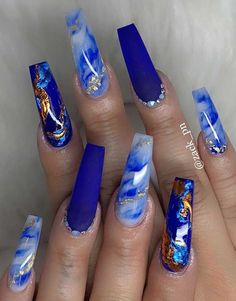 blue nail designs These fabulous nail art designs are super unique and glamorous, these will give you the trendy looks and give your nails a whole new. Nail Design Glitter, Cute Acrylic Nail Designs, Blue Nail Designs, Nails Design, Blue Nails With Design, Unique Nail Designs, Nail Designs Bling, Nail Art Designs Images, Long Nail Designs