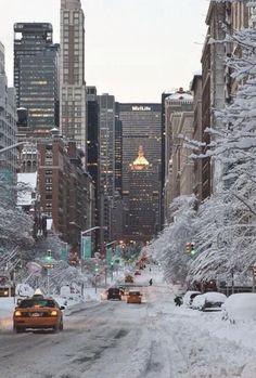 New York Life, Nyc Life, New Year New York, New York February, City Aesthetic, Travel Aesthetic, New York Iphone Wallpaper, Iphone Wallpapers, Wallpaper Desktop