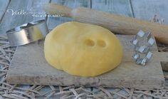 PASTA FROLLA PERFETTA per biscotti e crostate,ricetta base per la pasta frolla che non perde la forma in cottura, ideale per biscotti di varie forme.
