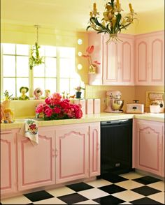 Up Decor - Blast from The Past with 13 Pretty Spaces Dita Von Teese Retro Pin Up Decorated Kitchen with Black and White Tiled Floors and Pink Cabinets!Dita Von Teese Retro Pin Up Decorated Kitchen with Black and White Tiled Floors and Pink Cabinets! Cocina Shabby Chic, Shabby Chic Kitchen, Vintage Kitchen, Vintage Farmhouse, Kitchen Retro, Barbie Kitchen, Kitchen Art, Shabby Chic Pink, Shabby Chic Decor