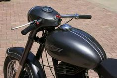 Yezdi Roadking, Motor Scooters, Classic Bikes, Bobber, Cars And Motorcycles, Vehicles, Cafe Racers, Scrambler, Restoration