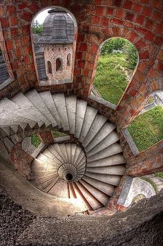 "The spiral staircase in ""The House, in Winter"" (Spiral stairs inside the abandoned Łapalice Castle Poland Abandoned Castles, Abandoned Mansions, Abandoned Buildings, Abandoned Places, Haunted Places, Beautiful Architecture, Beautiful Buildings, Stairs Architecture, Beautiful World"