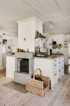 Keltainen talo rannalla: Koteja Gotlannista