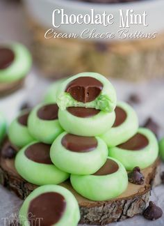 These Chocolate Mint Cream Cheese Buttons are perfect for all occasions! Lovely mint flavored cream cheese mints filled with a decadent chocolate ganache. Guaranteed to be a hit with your chocolate and mint loving friends and family! // Mom On Timeout