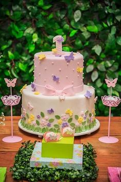 Bottom half only Butterfly Birthday Cakes, Baby Birthday Cakes, Butterfly Cakes, Pretty Cakes, Cute Cakes, Beautiful Cakes, Baby Girl Cakes, Spring Cake, Party Decoration