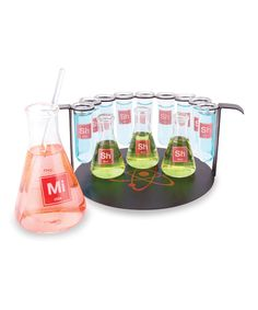 Chemistry Bar Set - Test tubes, beakers and even a stirring rod allow mixologists to serve any type of cocktail with a laboratory-chic presentation! Reminds me of the Breaking Bad TV Show. Chemistry Set, Science Chemistry, Chemistry Gifts, Weird Science, Test Tube Shots, Test Tubes, Kitchen Science, Kitchen Chemistry, Wild Eyes
