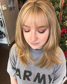 * 30 Sexiest Wispy Bangs You Need to Try in 2019 : 26 Sexiest Wispy Bangs You Need. Super Great 30 Sexiest Wispy Bangs Y. Thin Bangs, Wispy Bangs, Curly Hair With Bangs, Thin Hair, Blonde Pony, Blonde Bangs, Brown Blonde, Blonde Brunette, Fringe Hairstyles