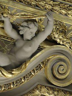 Louvre ~ Paris Prefiro ficar com as Artes que  não me sufocam.