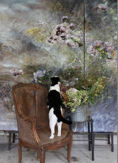 Her name is Claire Basler. A French floral painter, she resides at Chateau de Beauvoir, a century castle in France which is art in itself. Clare Basler, Wall Murals, Wall Art, French Artists, Painting Inspiration, Flower Art, Contemporary Art, Art Gallery, Wallpaper