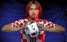 Croatia coach Ante Cacic has announced that Luka Modric will be the new captain of the national team, following the retirement of Darijo Srna – who had held the captaincy since 2009.