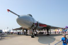 Crowds flock to see this glorious lady! #xh558Waddington