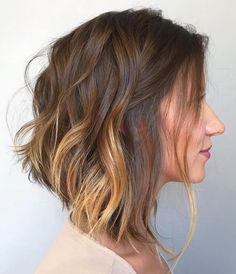 50 Medium Haircuts for Women That'll Be Huge in 2020 Are you in search of cute medium hairstyles for women? Despite your hair type and texture, there's a gorgeous medium haircut here for you! Edgy Medium Haircuts, Inverted Hairstyles, Wavy Haircuts, Medium Short Hair, Medium Hair Cuts, Medium Hair Styles, Bob Hairstyles, Celebrity Medium Haircuts, Party Hairstyles
