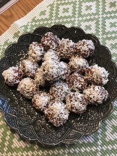 kelfstrobakar.se - Raw food -chokladbollar med dadlar