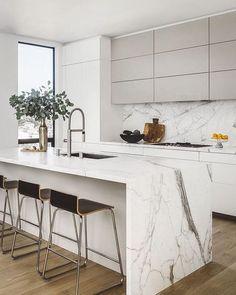 Modern Kitchen Cabinets, Contemporary Kitchen, Kitchen Remodel, White Modern Kitchen, Home Decor Kitchen, Kitchen Room Design, Kitchen Interior, Interior Design Kitchen, Minimalist Kitchen