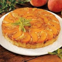 Upside-Down Peach Cake Recipe- Recipes Folks have been flipping over upside-down cake for generations. This dessert is very popular with my family and guests. Peach Cake Recipes, Sweet Recipes, Dessert Recipes, Just Desserts, Delicious Desserts, Yummy Food, Healthy Food, Cupcakes, Cupcake Cakes