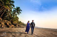 Let's run away together! Photo by Pankaj Rokade Photography, Mumbai #weddingnet #wedding #india #indian #indianwedding #saree #realwedding #prewedding #photoshoot #photoset #hindu #inspirations #weddinglocation #couple #nature #outdoor #portrait #sun #beach