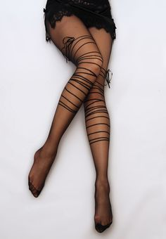 Black ribbon tights #style