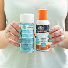 The best glue and sealer for glittering bottles of wine and champagne!