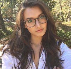 09f4744896da5 Óculos De Grau Feminino, Armação De Óculos Feminino, Gato Com Oculos,  Cabelo,