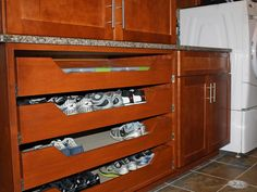 like the no handle drawers