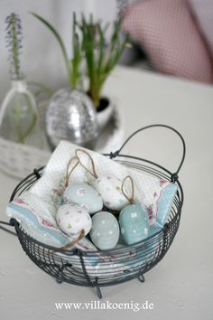 Easter Eggs - This is site is all in German and I don't understand it, but she has some LOVELY things and GREAT ideas!