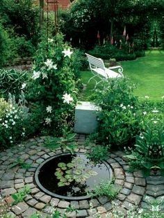 Many people have a dream of building their own water garden or backyard ponds around the home. Water garden and backyard ponds are a type of man-made water feature. They have been a home landscaping…MoreMore (backyard landscaping) Garden Pond Design, Garden Pool, Water Garden, Patio Design, Backyard Designs, Garden Art, Water Pond, Shade Garden, Fountain Garden