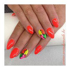 Puzzle nail art ... Colorful nails