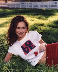 Jennifer Knows How To Love is listed (or ranked) 8 on the list 30 Pictures of Young Jennifer Love Hewitt Jennifer Love Hewitt Young, The Audrey Hepburn Story, Jeniffer Love, Famous Celebrities, Celebs, Female Celebrities, Thing 1, Love Film, Jennifer Connelly