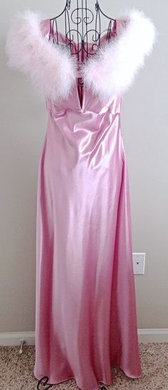 Jessica McClintock Gunne Sax Satin Feather Dress Gown Pageant Formal Size 9/10 #JessicaMcClintockGunneSax #Gown