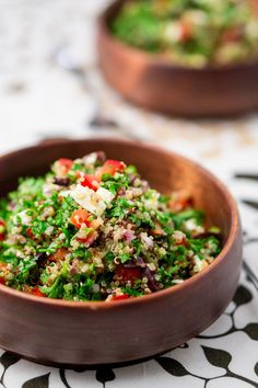 Check out these best quinoa recipes and cooking ideas. Here are 14 ways to make quinoa not boring, including quinoa bowls, quinoa salads, and instant pot quinoa. Tabouli Salad Recipe, Quinoa Tabbouleh, Greek Quinoa Salad, Red Quinoa Recipes, Healthy Salad Recipes, Healthy Lunches, Kimchi, Roasted Fall Vegetables, Veggies