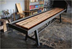 Table de shuffleboard Design de District MFG - #Design - Visit the website to see all photos http://www.arkko.fr/table-de-shuffleboard-design-de-district-mfg/