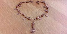 Ręcznie wykonany miedziany naszyjnik. Hand made wire copper necklace.