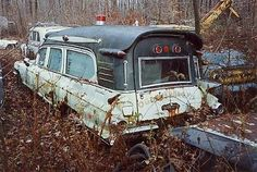 1961 Cadillac Ambulance by Miller Meteor - Krankenwagen / Ambulance - Cars Abandoned Ships, Abandoned Cars, Abandoned Places, Abandoned Vehicles, Cadillac, Vintage Trucks, Vintage Racing, Station Wagon Cars, Flower Car